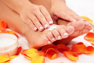Pedikűr, labkrém, bőrpuhító kezelés, SPA ápolás