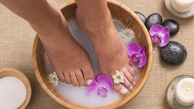 Pedikűr, spa kezeles, láb-masszázs