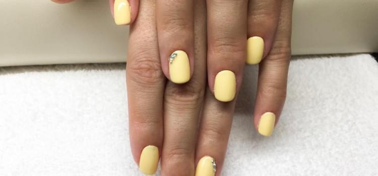 Shellac – Sun Bleached: gyönyörű pasztel sárgával várjuk a tavaszt!